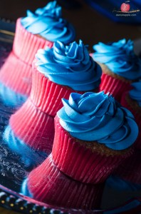 Blue cupcake by Tiers of Happiness