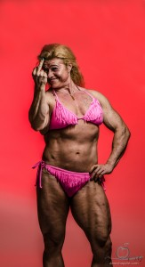 middle finger female bodybuilder
