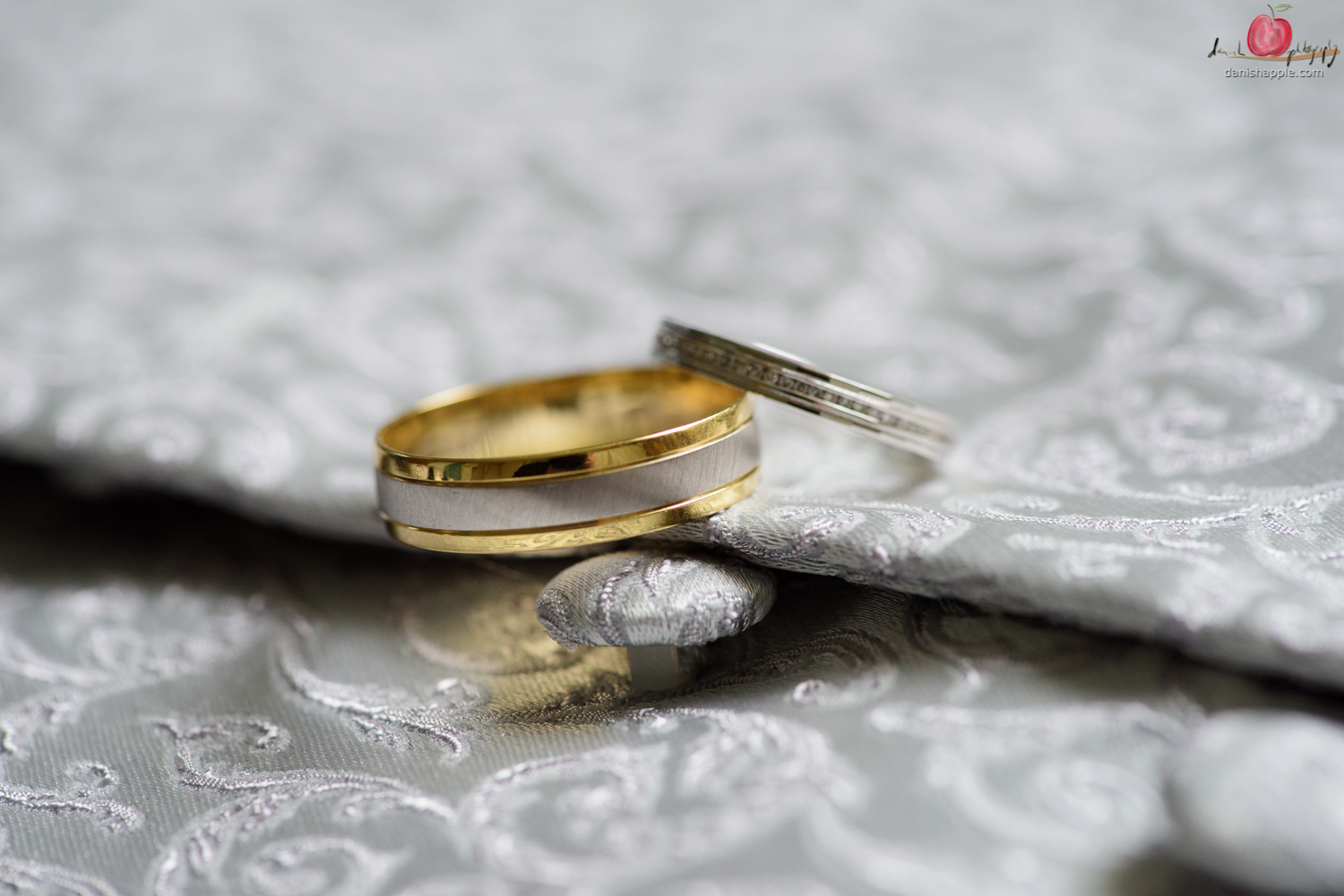 Wedding rings shot with Nikon d810